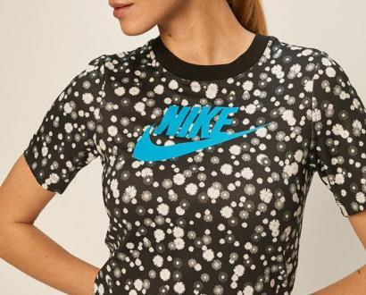 Černý top Nike Sportswear